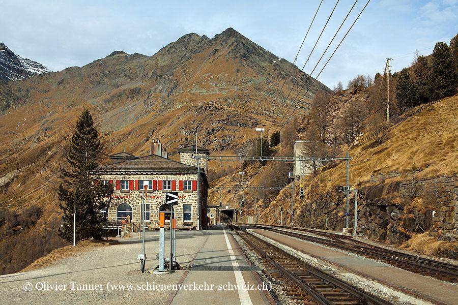 """Bahnhof """"Alp Grüm"""""""