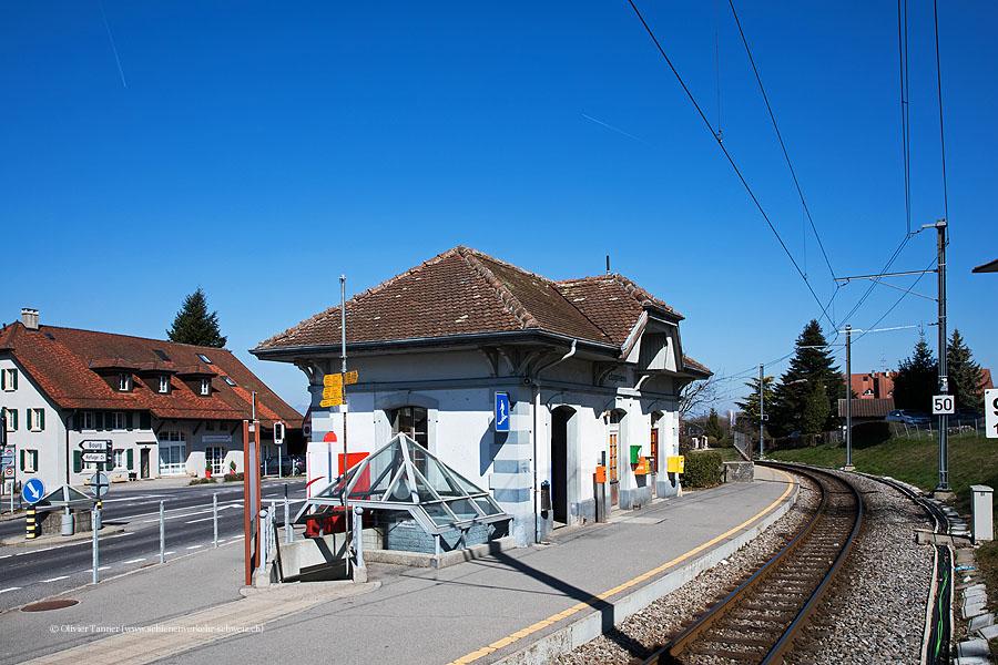 """Bahnhof """"Etagnières"""""""