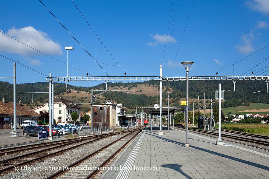 "Bahnhof ""Glovelier"""