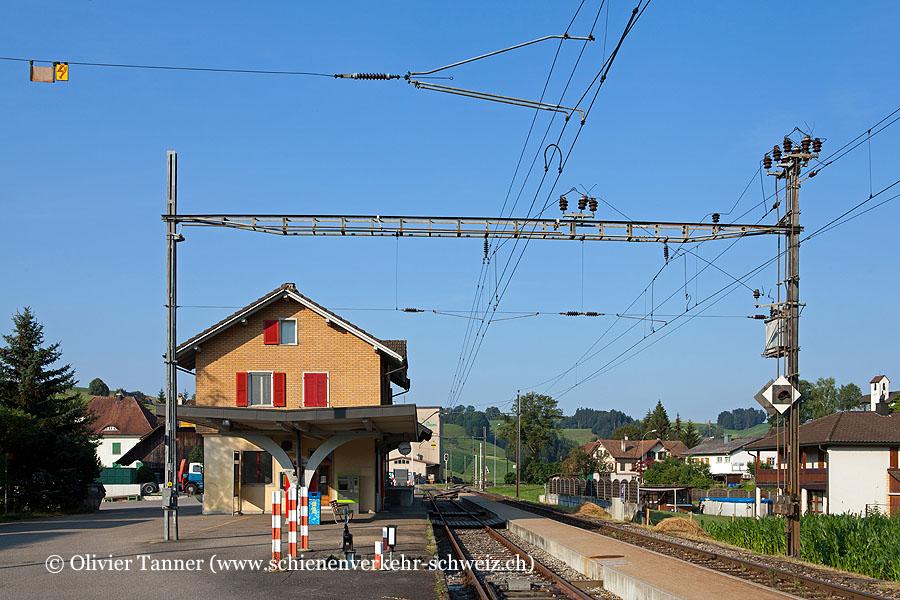 "Bahnhof ""Hüswil"""