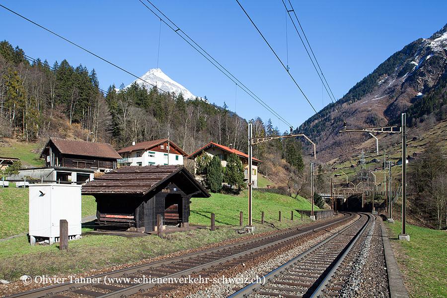 "Bahnhof ""Intschi"""
