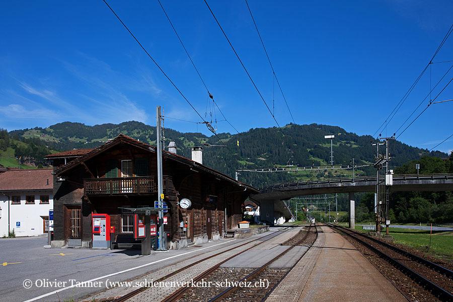 "Bahnhof ""Jenaz"""