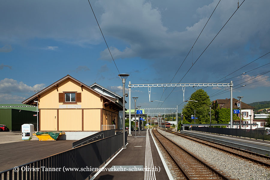 "Bahnhof ""Safenwil"""