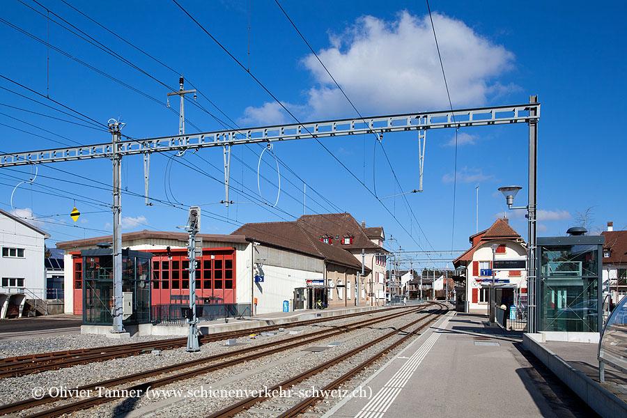 """Bahnhof """"Täuffelen"""""""
