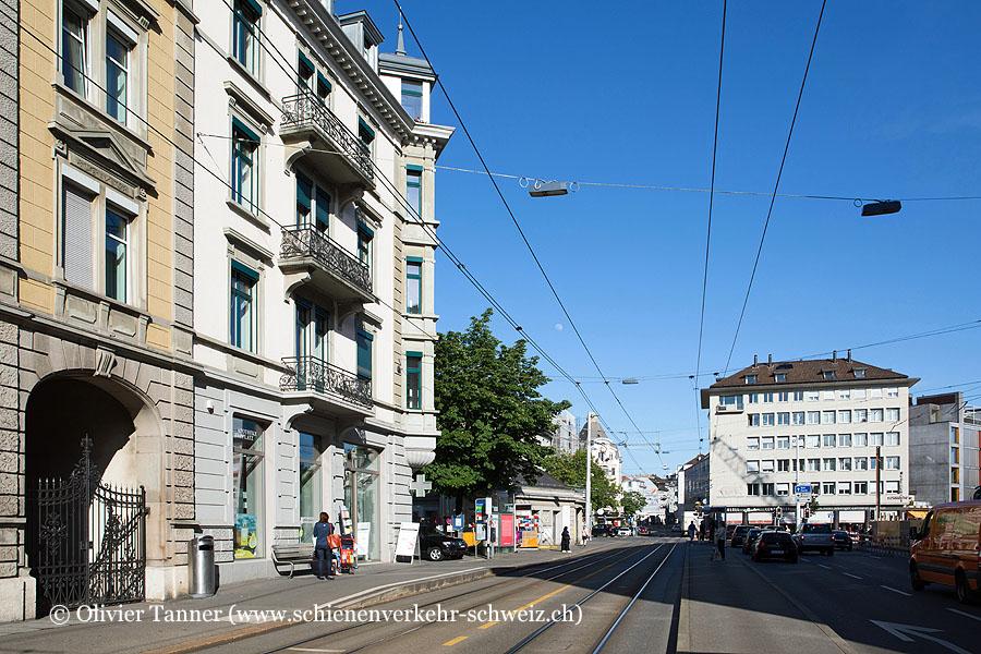 "Bahnhof ""Zürich Kreuzplatz"""