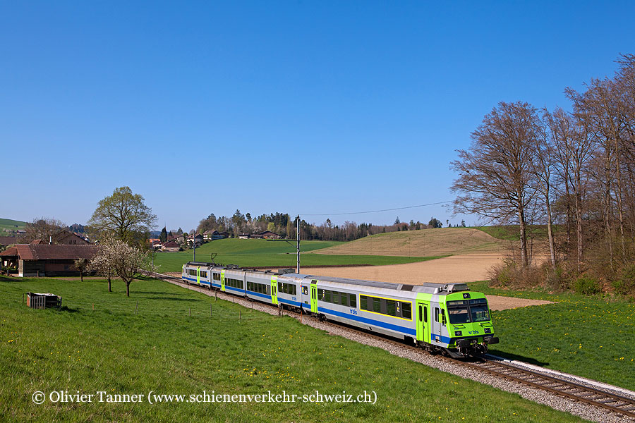 Nahverkehrspendelzug mit RBDe 565 722 als S6 Schwarzenburg – Bern