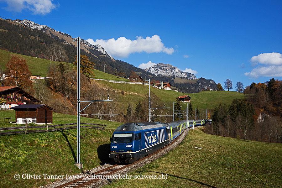 Re 465 002 mit RegioExpress Interlaken Ost – Zweisimmen