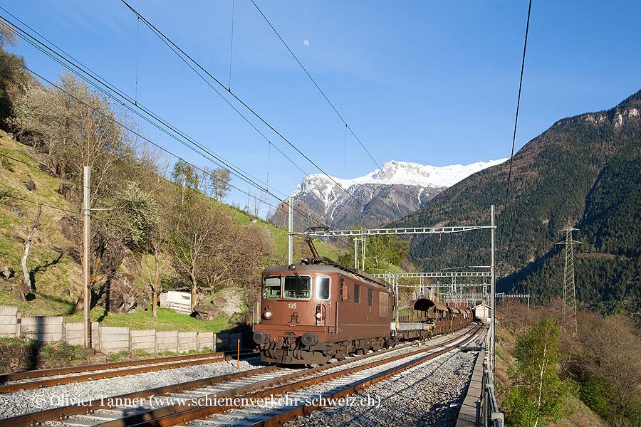 Re 4/4 195 mit BLS Autozug Iselle – Kandersteg