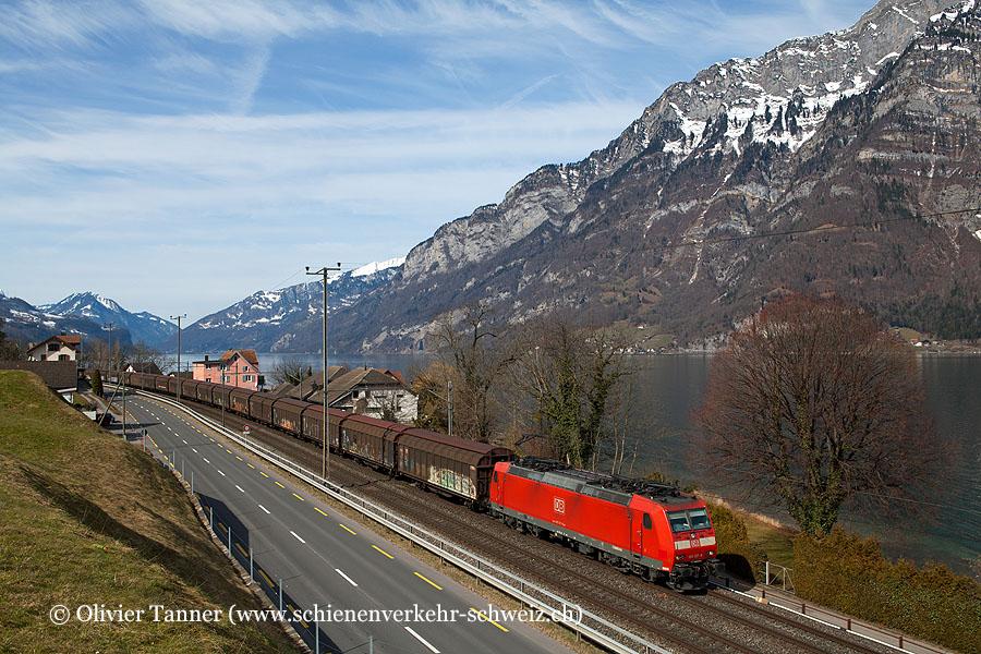 Br 185 127 mit dem RedBull-Zug