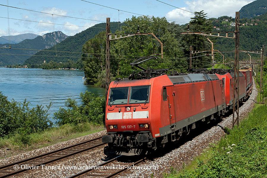 Br 185 137 und Br 185 110 mit einem Transitgüterzug