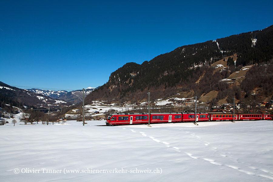 ABe 8/12 3512 mit RegioExpress Landquart – Davos Platz