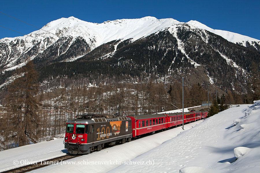 Ge 4/4'' 620 ''100 Jahre Bever-Scuol'' mit extralangem Regionalzug anlässlich des Engadiner Skimarathon