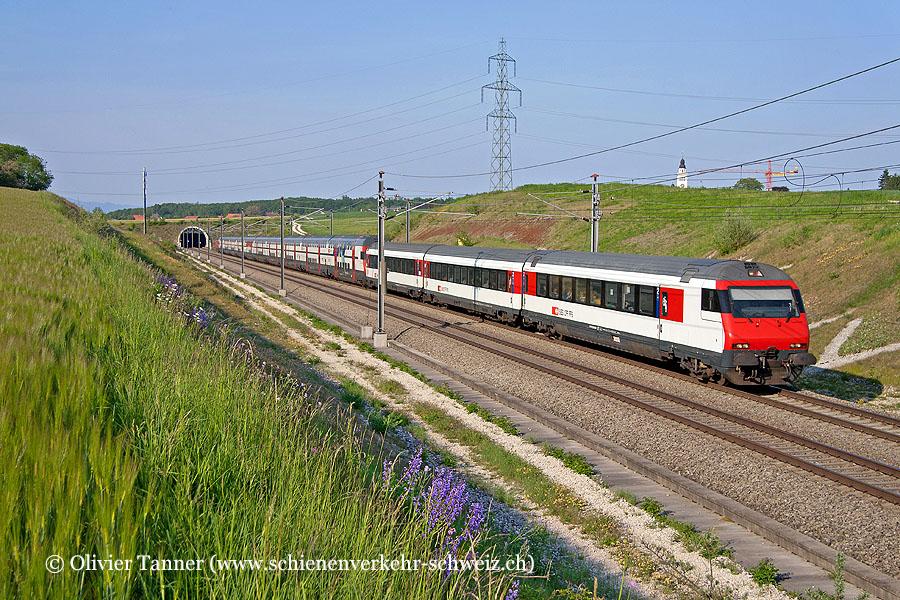 IC2000 mit Einheitswagen IV Zusatzmodul als IC St. Gallen – Zürich – Genève Aéroport