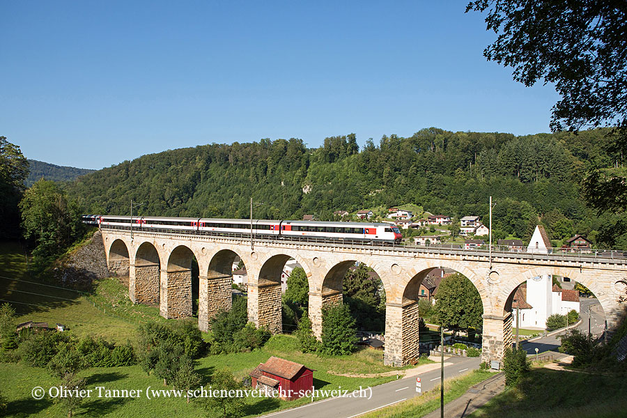 Einheitswagen IV Pendelzug als IC6 Brig – Bern – Basel