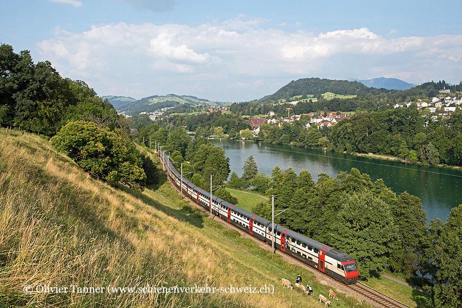 IC2000-Pendelzug mit Ticki Park-Steuerwagen als IR70 Zürich – Luzern