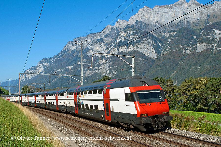IC2000-Pendelzug mit Ticki Park-Steuerwagen als IC Basel – Zürich – Chur