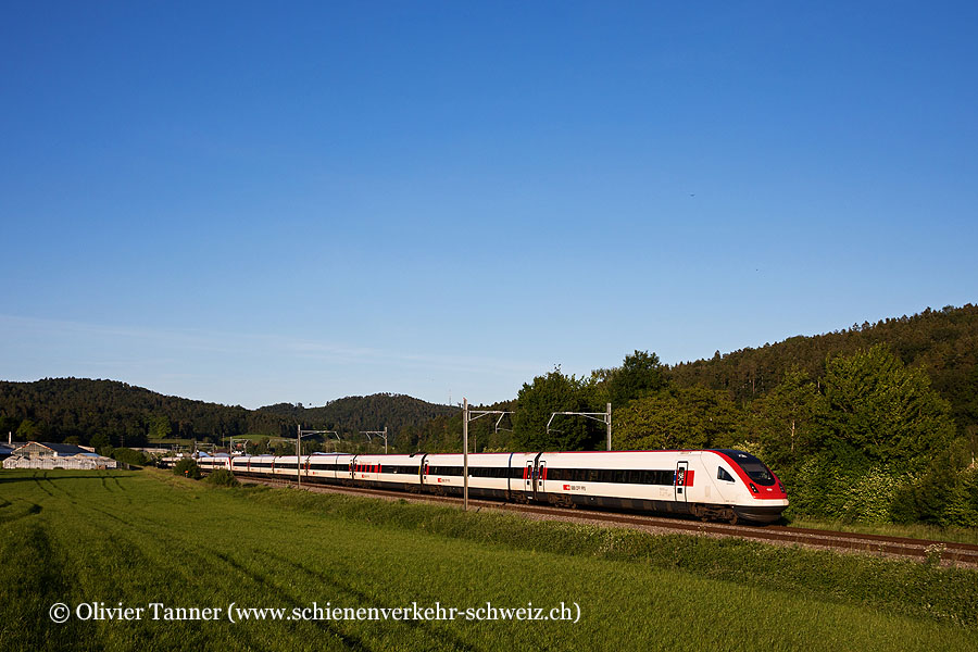 RABDe 500 017 und RABDe 500 021 als IC5 St. Gallen – Zürich – Lausanne