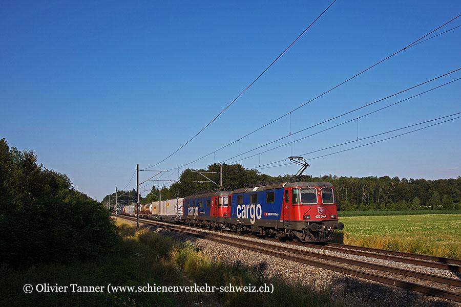 Re 420 344 und Re 620 086 mit einem Transitgüterzug