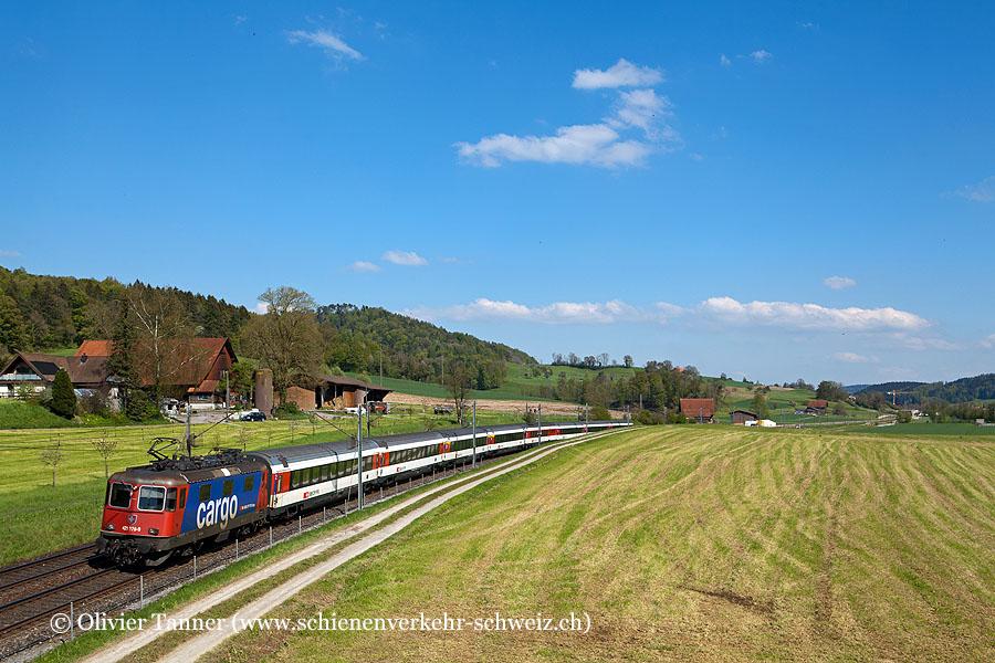 Re 421 379 mit dem EC München – St. Gallen – Zürich