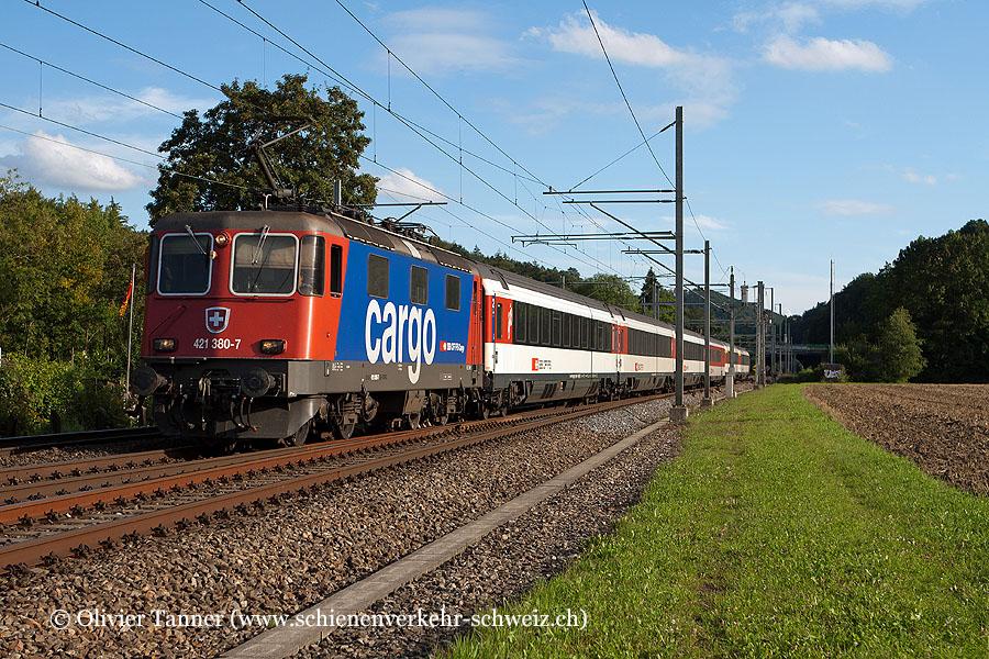Re 421 380 mit dem EC Zürich – St. Gallen – München