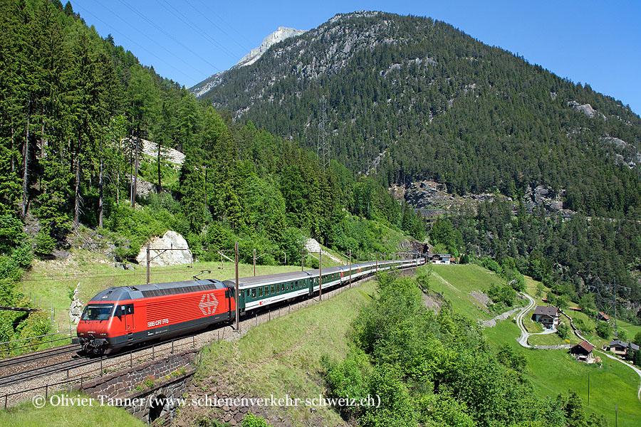 Re 460 029 mit überlangem Gotthard-IR