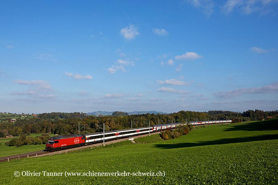 Re 460 100 und Re 460 055 mit IC1 St. Gallen – Zürich – Bern – Genève Aéroport