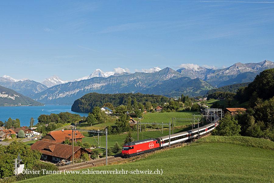 Re 460 106 frisch aus der Revision und Re 460 016 mit IC8 Brig – Bern – Zürich – Romanshorn