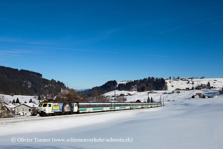 Re 446 015 ''NEAT – Tor zum Süden'' und Re 446 017 ''Ein Hauch Fernweg – Ein Hauch Sehnsucht'' mit dem Voralpen-Express St. Gallen – Luzern