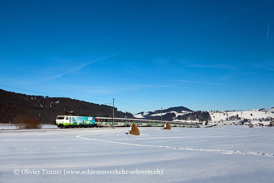 Re 456 092 ''Siemens'' und Re 456 096 ''Voralpen-Express'' mit dem Voralpen-Express St. Gallen – Luzern